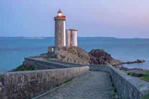 Fotos Frankreich Leuchtturm Straße Zaun Brest Natur