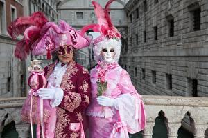 Papéis de parede Itália Carnaval e baile de máscaras Homem Pena Máscara Veneza 2 Chapéu