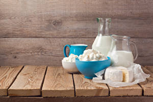 Images Milk Quark curd cottage farmer cheese Cheese Wood planks Jugs Food