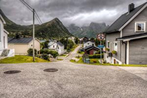 Bilder Norwegen Haus Gebirge Stadtstraße Husoy