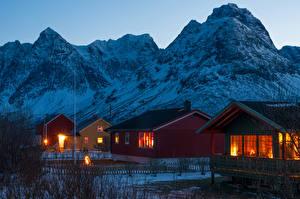 Fotos Norwegen Gebirge Gebäude Abend Winter Dorf Svensby village