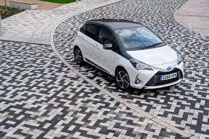 桌面壁纸,,丰田汽车,混合動力車輛,白色,金屬漆,2019 Yaris Hybrid  Y20,