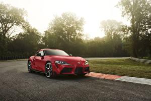 Hintergrundbilder Toyota Rot Metallisch 2020 GR Supra auto