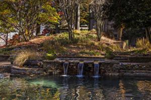 Fotos Vereinigte Staaten Garten Teich Wasserfall Herbst Bäume Gibbs Gardens Natur