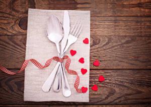 Fotos Valentinstag Messer Bretter Herz Löffel Gabel Band