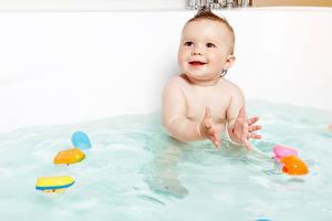 Hintergrundbilder Wasser Baby Starren Kinder