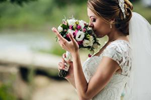 Image Bouquets Bride Hands Girls