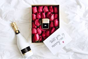 Picture Sparkling wine Roses Bottles Box Jewelry ring English will you marry me? Flowers