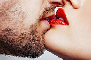 Fotos Großansicht Lippe Mann Kuss Rote Lippen Barthaar