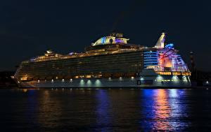 Fotos Kreuzfahrtschiff Schiffe Nacht Royal Caribbean