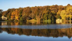 Hintergrundbilder England Wälder Flusse Herbst Wiltshire Natur