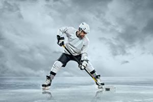 Fotos Hockey Mann Uniform Helm Sport