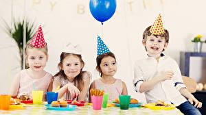Fotos Feiertage Kleine Mädchen Junge Blick Kinder