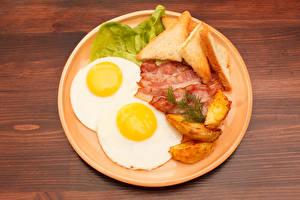 Bilder Fleischwaren Brot Kartoffel Schinkenspeck Teller Spiegelei