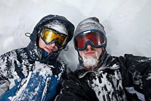 Hintergrundbilder Mann 2 Brille Schnee