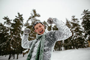 Wallpapers Men Winter Happy Snow Hands