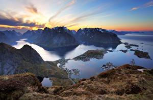 Bilder Norwegen Lofoten Gebirge Sonnenaufgänge und Sonnenuntergänge Bucht