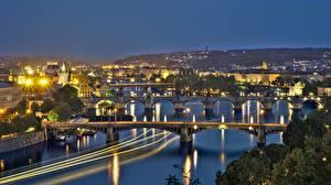 壁纸、、プラハ、チェコ、川、橋、夜、街灯、Vltava、