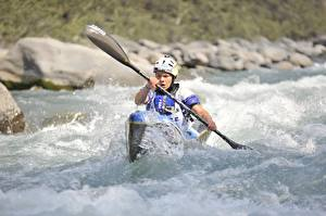 Hintergrundbilder Flusse Boot Rafting Spritzwasser Helm sportliches