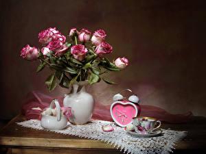 Bilder Stillleben Rosen Uhr Süßigkeiten Vase Tasse Blumen Lebensmittel
