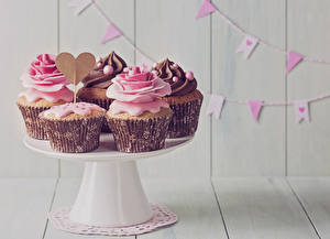 Wallpaper Sweets Holidays Roses Cupcake Wood planks Heart Food