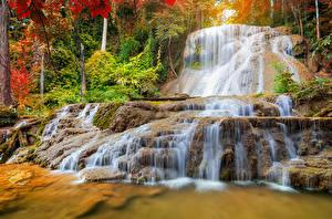 Sfondi desktop Thailandia Parchi Cascata Autunno Mae Kae Waterfall Lampang Natura