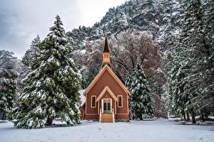 Bilder Vereinigte Staaten Parks Winter Gebäude Yosemite Fichten Bäume Schnee