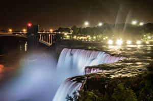 Bilder Vereinigte Staaten Wasserfall Flusse New York City Nacht Lichtstrahl Niagara Falls