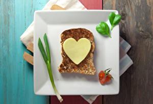 Bureaubladachtergronden Valentijnsdag Boterham Brood Kaas Bord maaltijd Hartje Voedsel