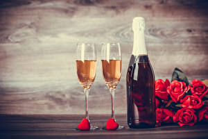 Pictures Valentine's Day Champagne Roses Bottles Stemware Heart Red Food Flowers