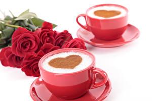 Fotos Valentinstag Kaffee Cappuccino Weißer hintergrund Tasse 2 Herz Lebensmittel