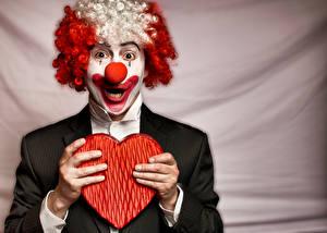 Hintergrundbilder Valentinstag Mann Finger Clown Herz