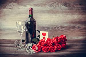 Bilder Valentinstag Stillleben Rosen Wein Rot Flasche Weinglas Herz Blumen Lebensmittel