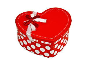Pictures Valentine's Day White background Box Present Heart Bow