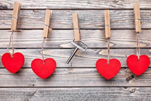 Hintergrundbilder Valentinstag Bretter Mauer Herz Wäscheklammer Schlüssel