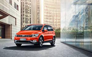 Bilder Volkswagen Orange 2018-19 Cross Touran L automobil
