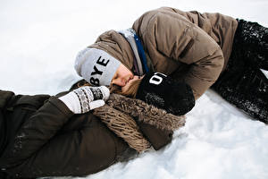 Pictures Winter Love Man Couples in love 2 Kisses Winter hat Snow Girls