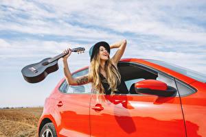Pictures Blonde girl Guitar Hat Happy Hands Girls