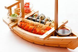 Bilder Boot Sushi Weißer hintergrund