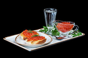 Photo Butterbrot Caviar Vodka Bread Black background Plate Shot glass Food