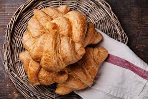 Fotos Croissant Weidenkorb Lebensmittel