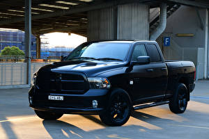 Fondos de Pantalla Dodge Pickup Metálico Negro 2019 Ram 1500 Express Black Pack Quad Cab automóviles