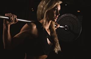 Fotos Fitness Hantelstange Blondine Mädchens Sport