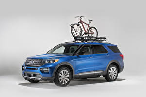 Fotos Ford Hellblau 2020 Explorer Limited with Yakima Accessories