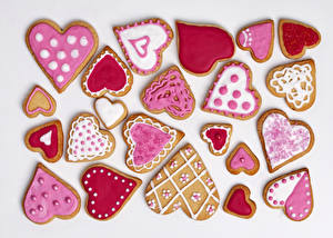 Wallpaper Holidays Cookies Valentine's Day White background Heart Design Food
