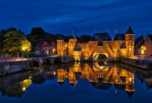 壁纸、、オランダ、要塞、橋、建物、運河、夜、街灯、Koppelpoort Amersfoort、