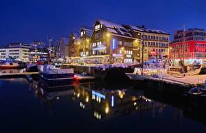 Fotos Norwegen Haus Bootssteg Abend Winter Schiffe Bucht Straßenlaterne Tromso Städte