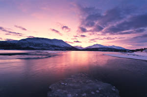 Hintergrundbilder Norwegen Lofoten Winter Gebirge Sonnenaufgänge und Sonnenuntergänge Bucht