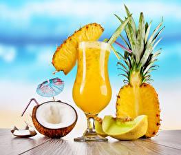 Bilder Ananas Kokos Melone Cocktail Weinglas Regenschirm Lebensmittel