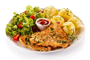 Hintergrundbilder Kartoffel Fleischwaren Gemüse Weißer hintergrund Teller Ketchup